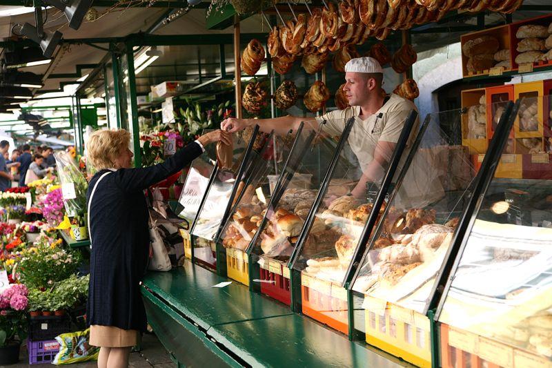 Wahrscheinlich der schönste in Südtirol: Obstmarkt in Bozen
