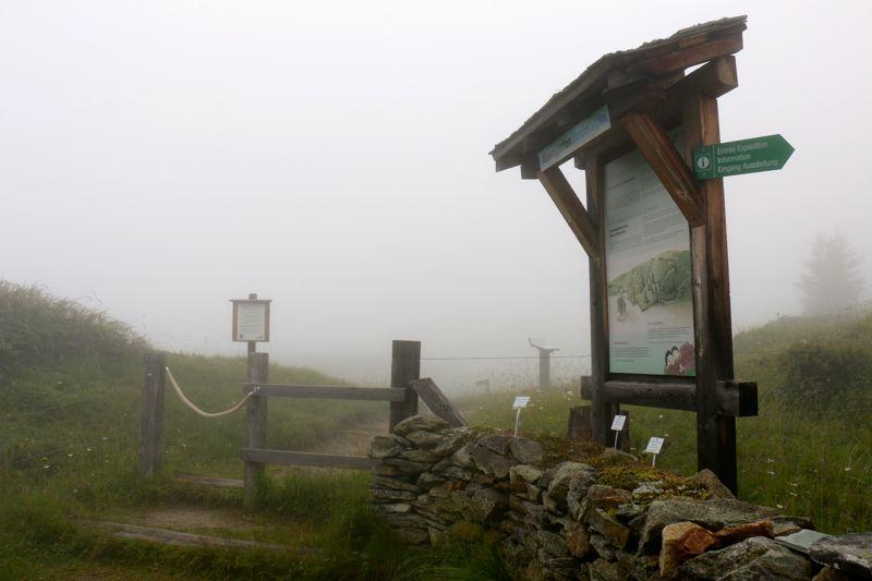 Eingang zum Alpgarten an der Villa Cassel