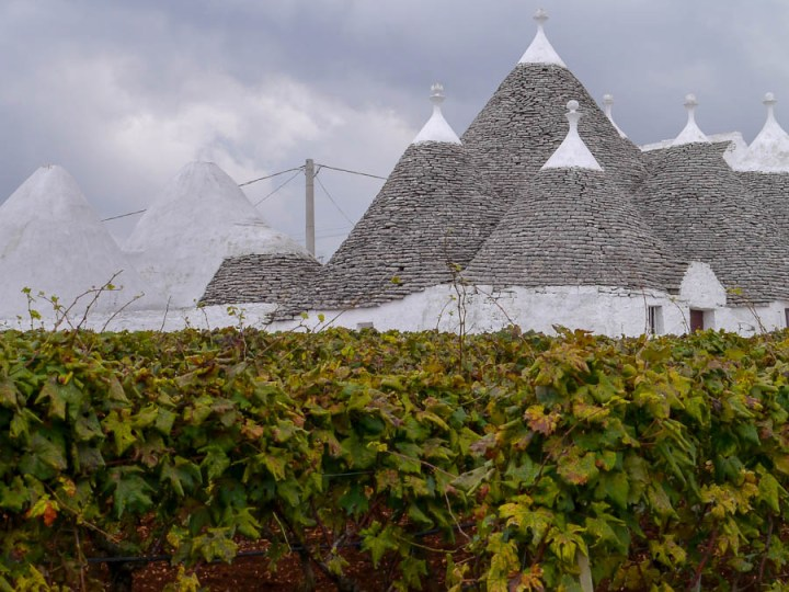 Trulli und Wein in Apulien