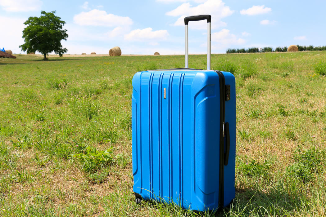 blauer koffer
