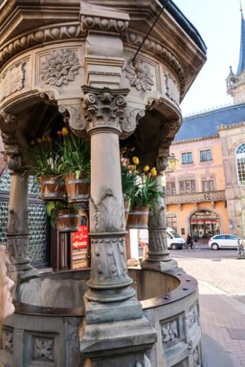 Sechs-Eimer-Brunnen