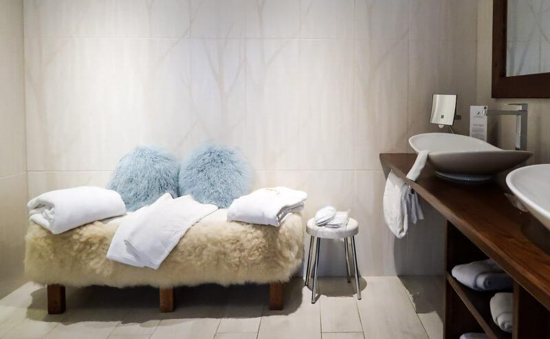 Badezimmer der Suite im La Chenaudière