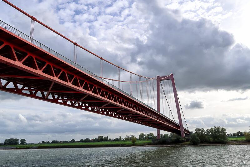 """Die """"Golden Gate Bridge"""" über den Rhein"""