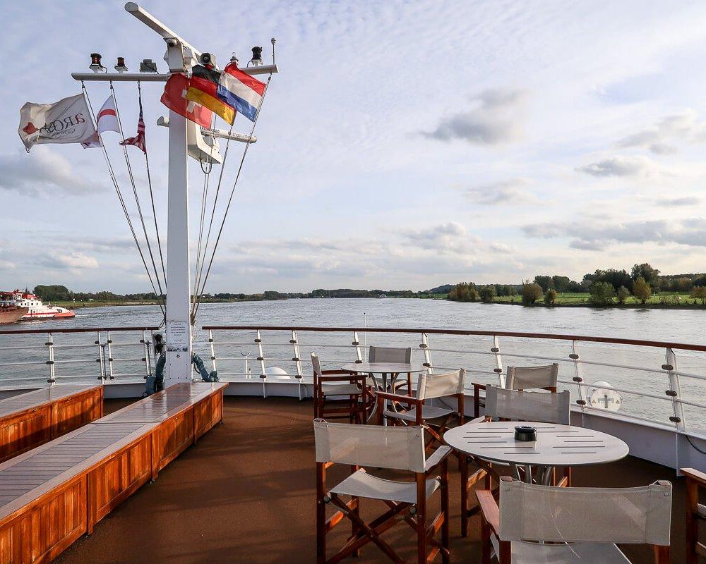 Flusskreuzfahrtschiff A-Rosa Silva auf dem Rhein