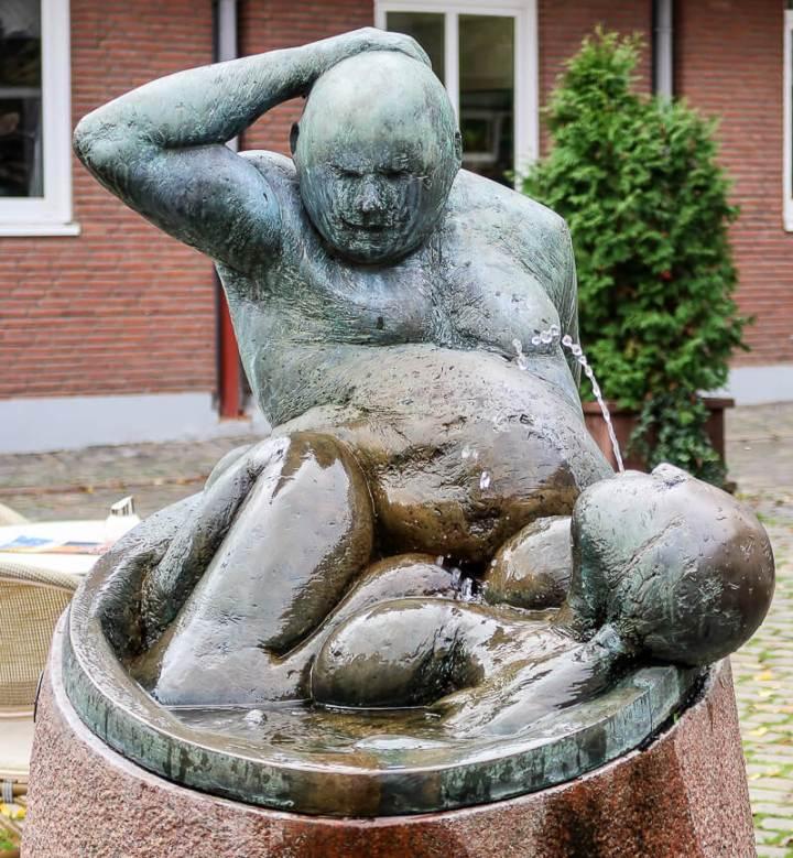 Brunnen der Badenden