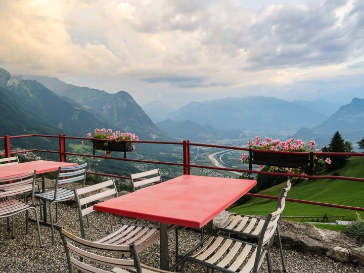 Aussicht vom Berggasthaus Masescha ins Rheintal