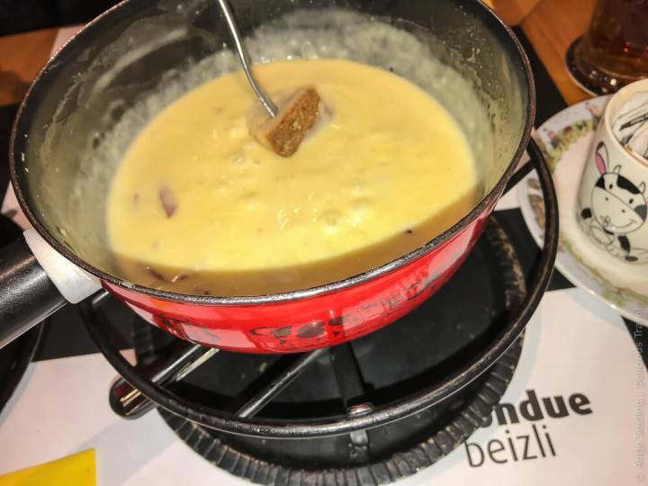 Käsefondue in einer typischen St. Galler Beiz