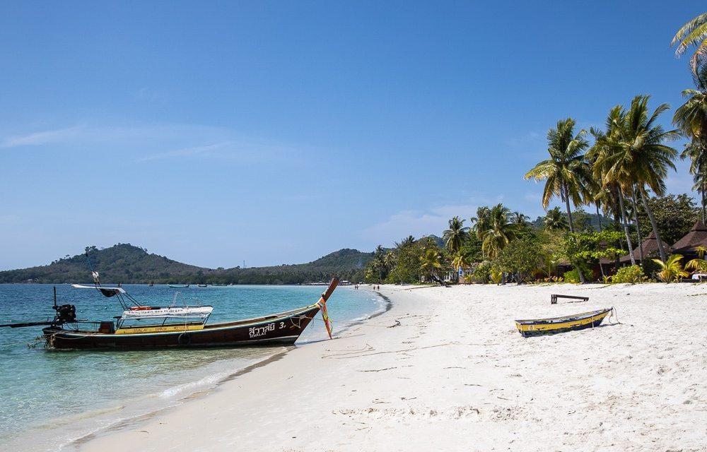 Der Sivalai-Strand auf Koh Mook ist einer der schönsten der Insel. Leider gibt es dort auch häufig Sandfliegen.