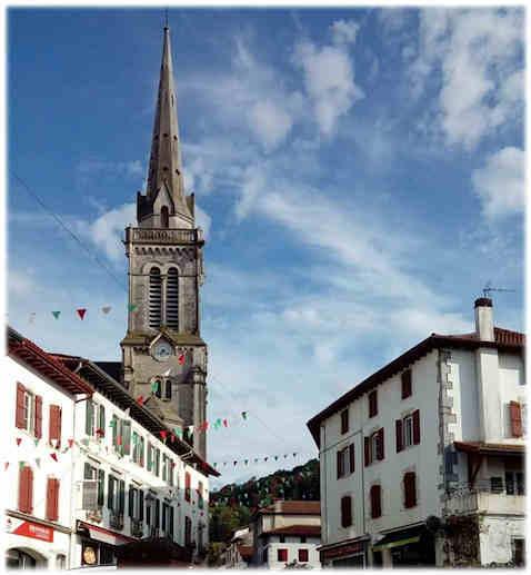 Pays-basque-hasparren-clocher(