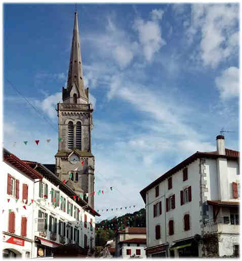Pays-basque-hasparren-clocher(