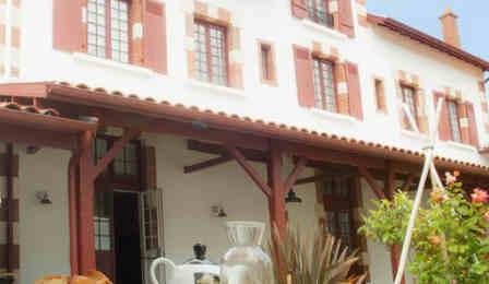 Guehary-hotel-bakea