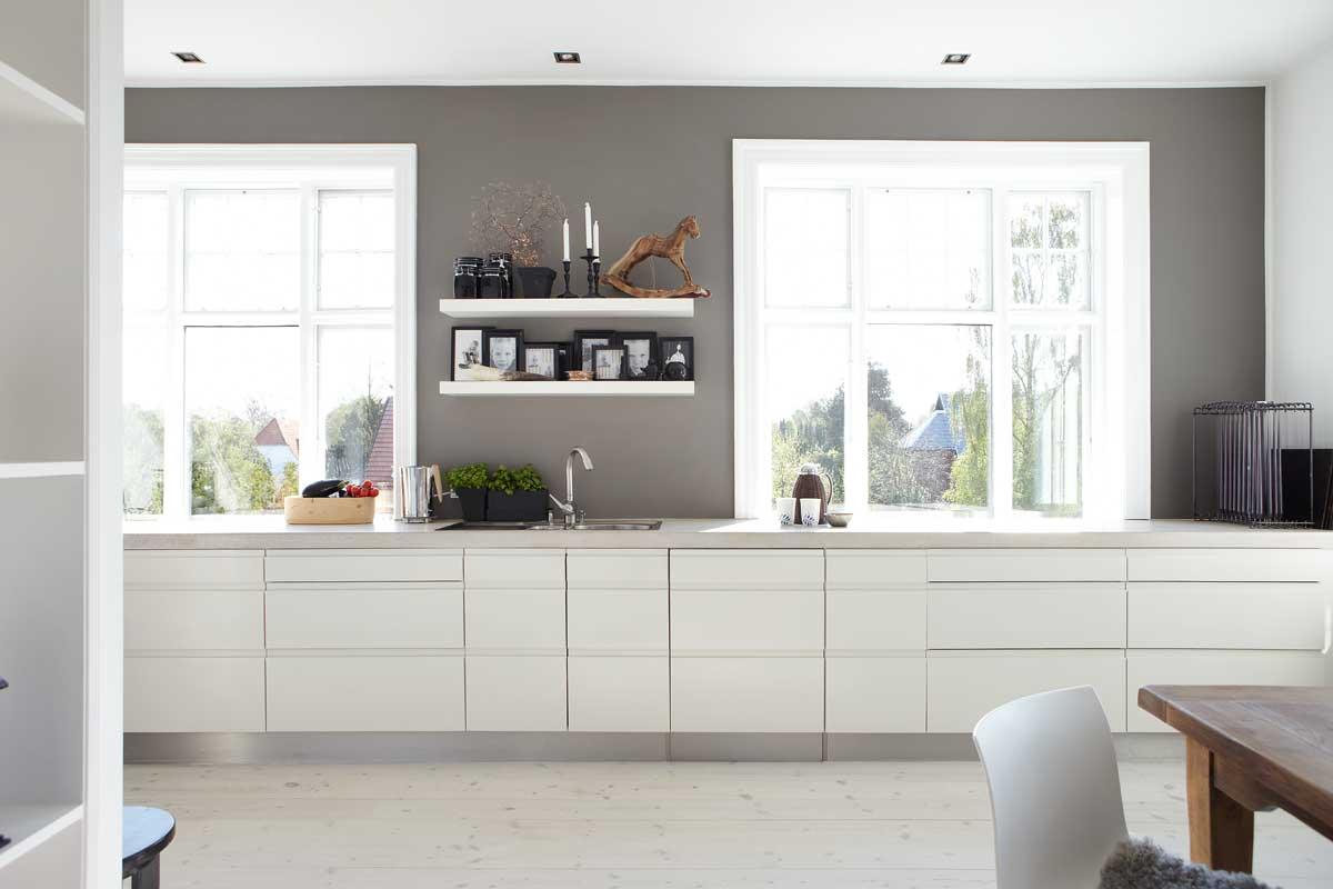 Revistas de decoraci n danesas y una encimera de roble de for Decoracion cocinas blancas
