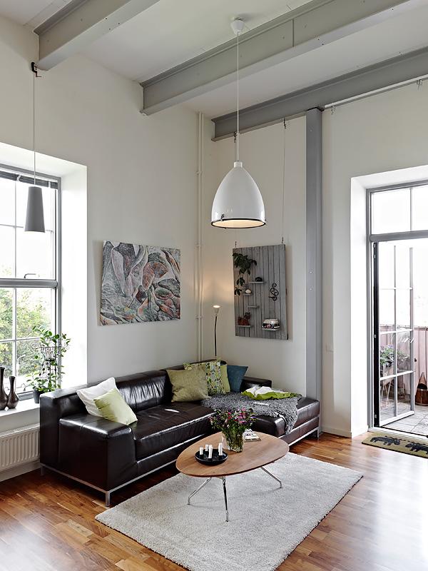Como aprovechar el espacio en un piso de techos altos - Lamparas para techos altos ...