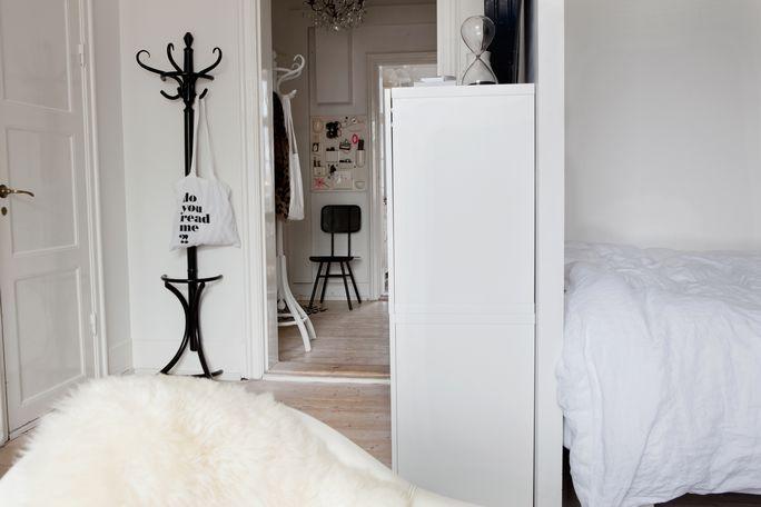 Decoración de un piso pequeño en blanco y negro - Blog decoración ...