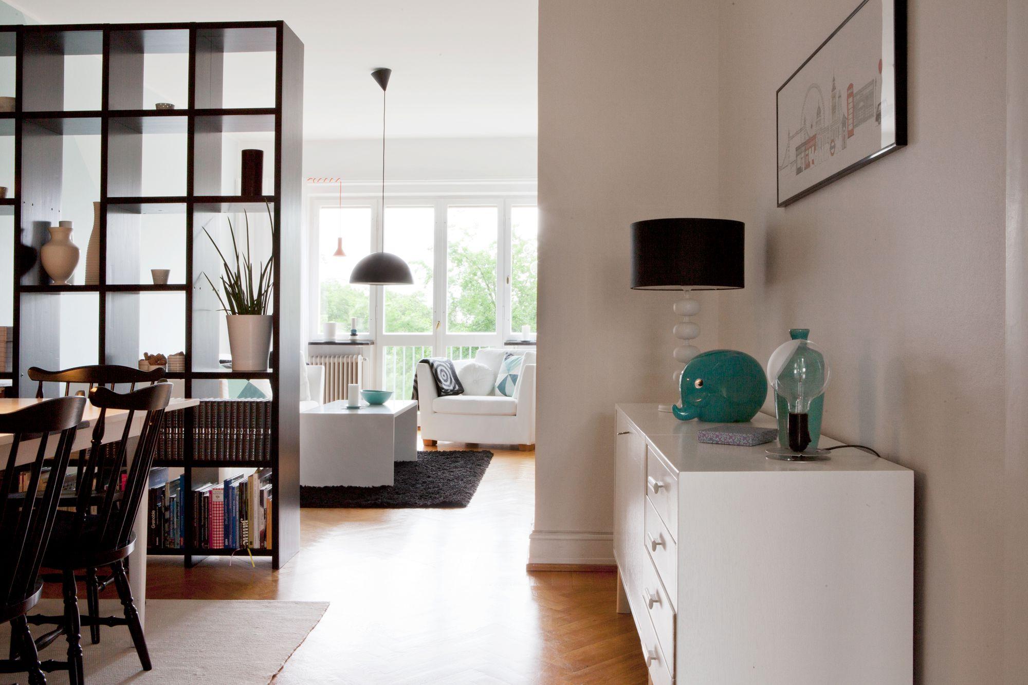 Decoraci n en blanco con toques de negro y az l blog - Decoracion barata casa ...