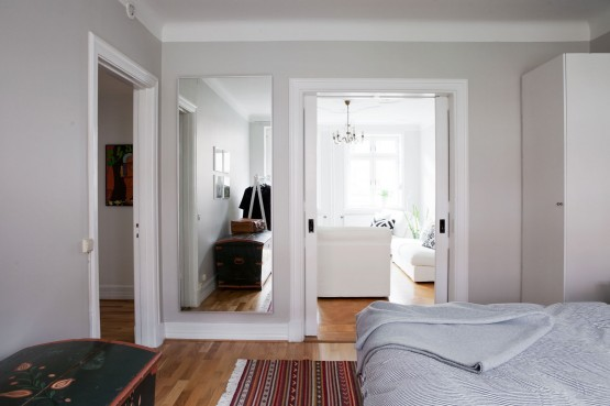 Paredes grises muebles blancos suelo de madera blog - Pintar paredes blancas ...