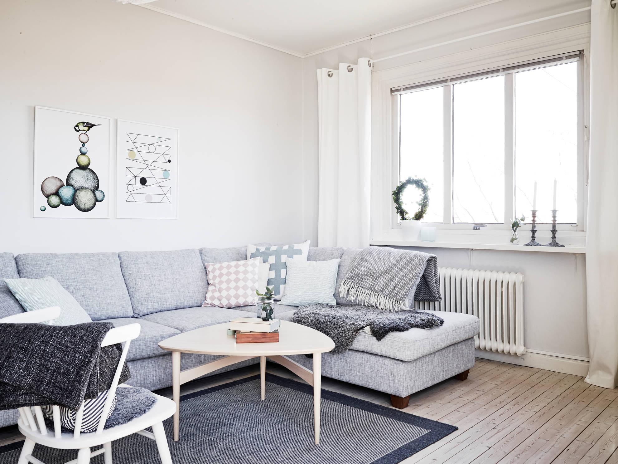 Un piso blanco y gris lleno de luz blog tienda - Como amueblar un piso ...