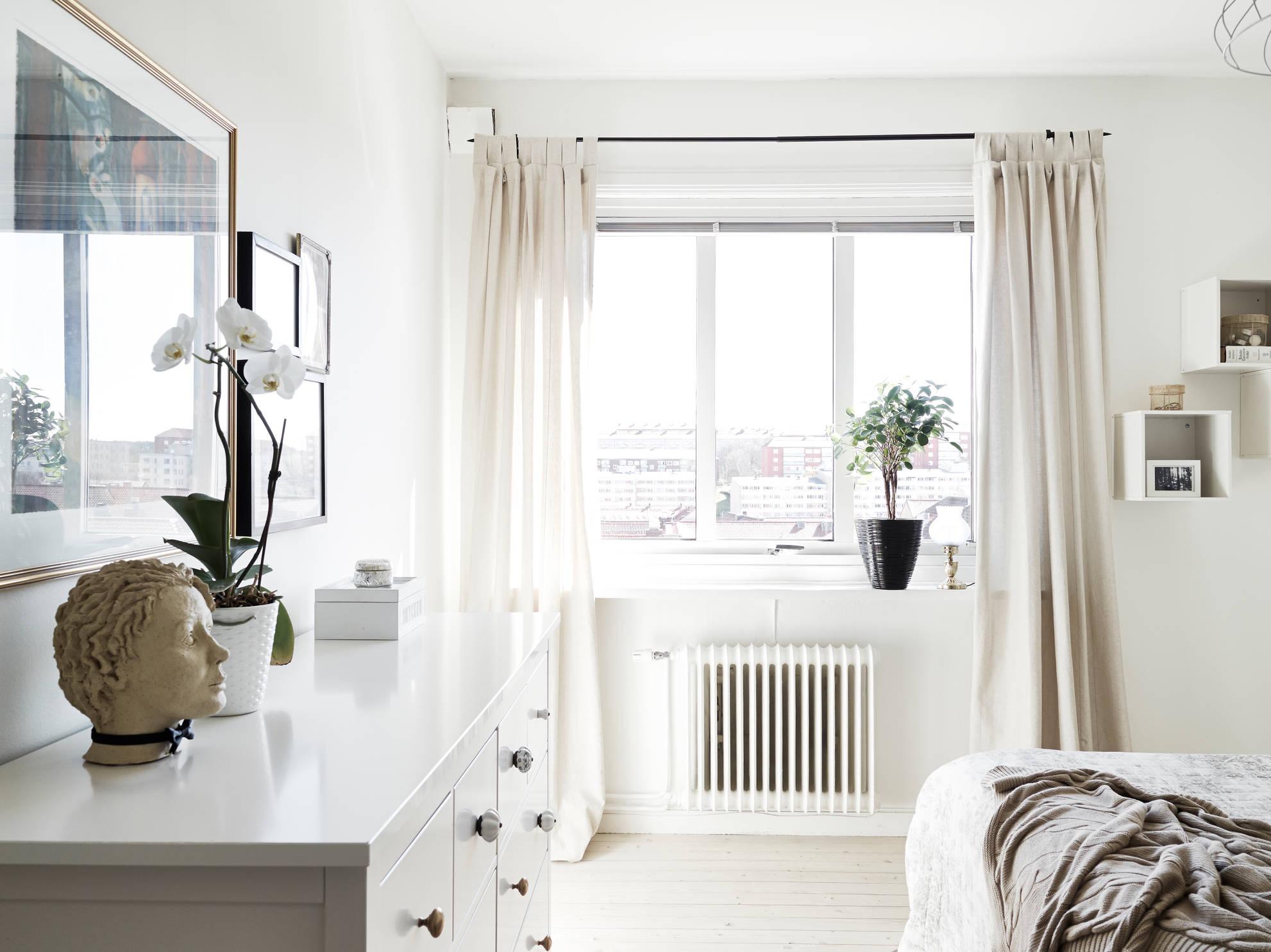 Un piso blanco y gris lleno de luz - Blog decoración estilo ...