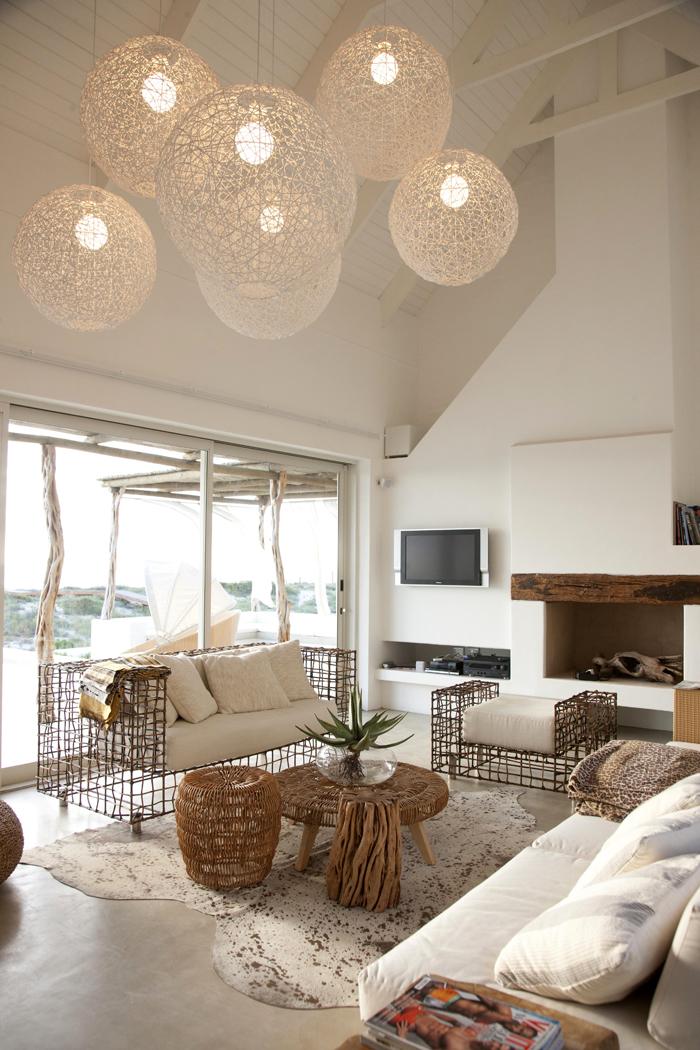 Madera piedra y textiles en el porche blog tienda decoraci n estilo n rdico delikatissen - Casas de decoracion ...