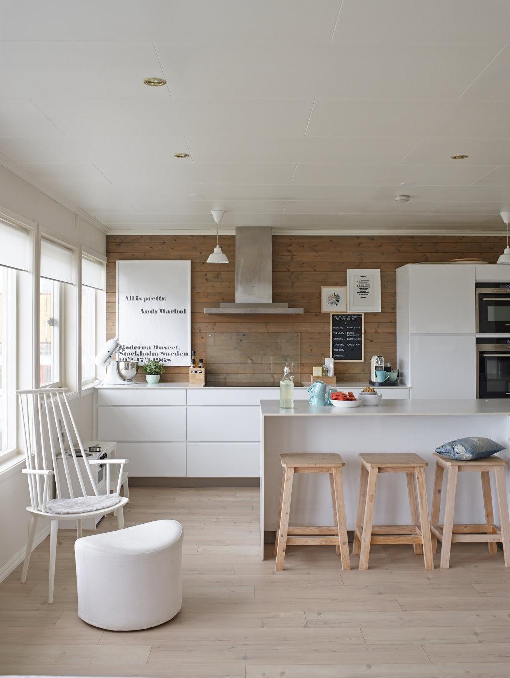 Blanco en textiles y muebles en una casa donde viven ni os - Muebles modernos ikea ...