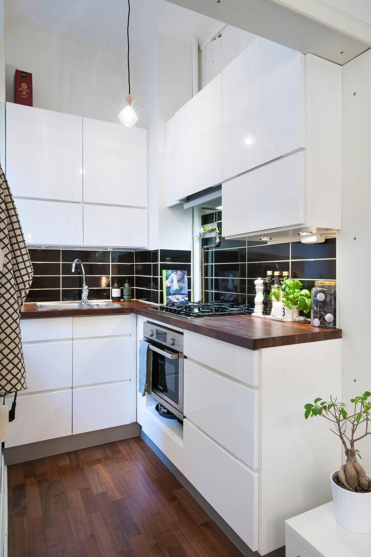 Una cocina de apenas 2 m es suficiente blog tienda decoraci n estilo n rdico delikatissen - Azulejos cocina ikea ...
