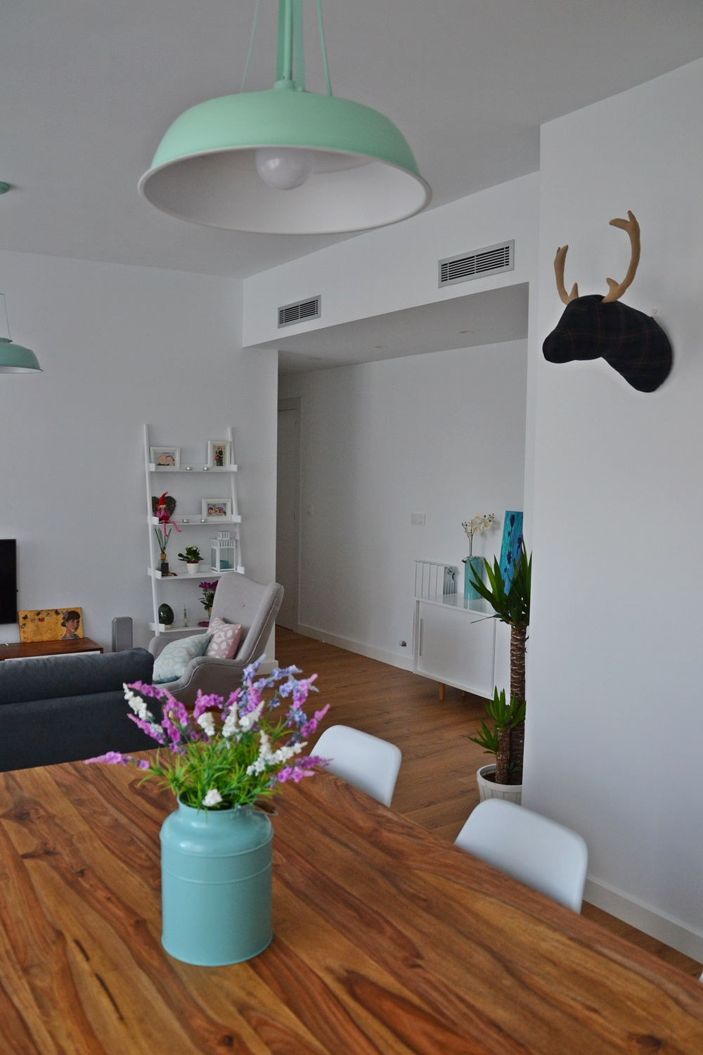 Hogares de nuestros lectores piso en zaragoza blog for Decoracion nordica low cost