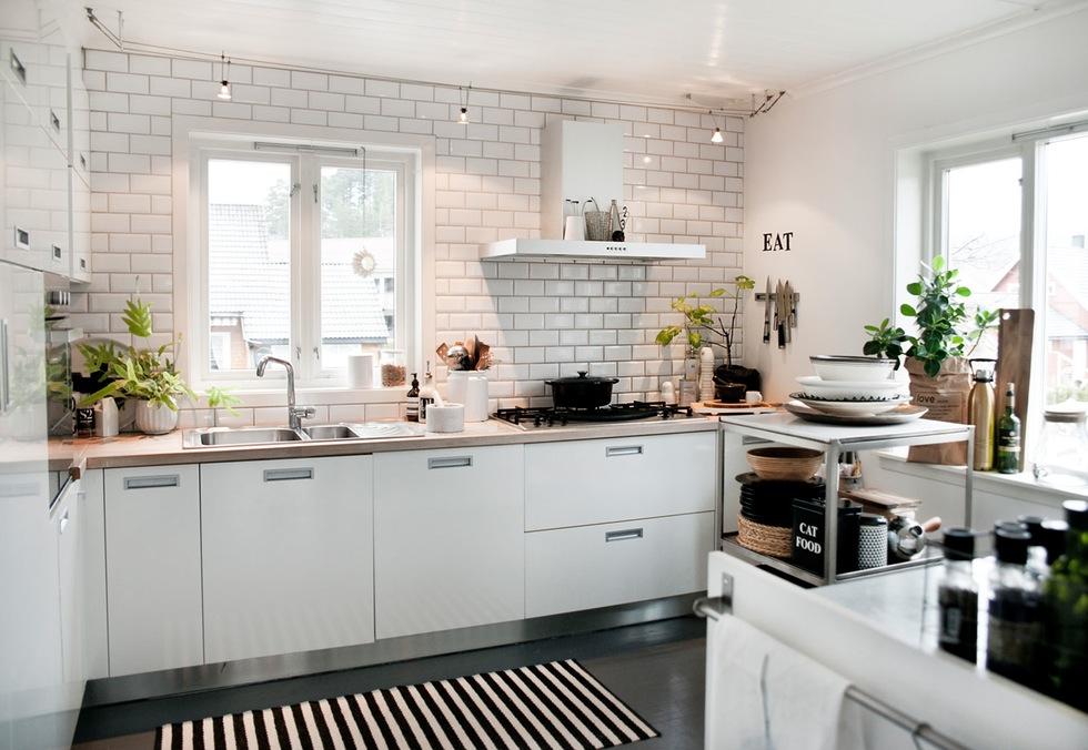 Suelo de madera pintado en alto brillo blog tienda - Pintar suelo cocina ...