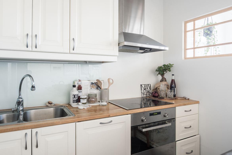 Mini piso con isla en la cocina blog tienda decoraci n for Cocinas blancas 2016
