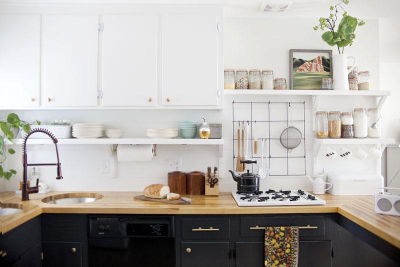 Antes despu s cocina nueva con pintura blog tienda for Interiores de caravanas reformadas