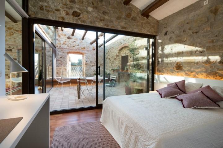 Vacaciones en la casa del pueblo blog decoraci n estilo for Fachadas de casas estilo rustico moderno