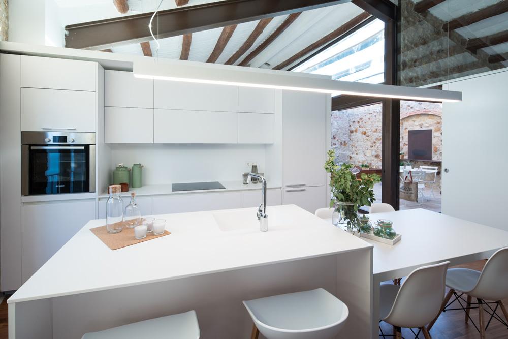 Vacaciones en la casa del pueblo blog tienda decoraci n for Casa estilo nordico minimalista