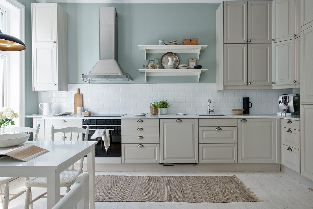 Cocina serena de aire country blog tienda decoraci n estilo n rdico delikatissen - Azulejos cocina ikea ...