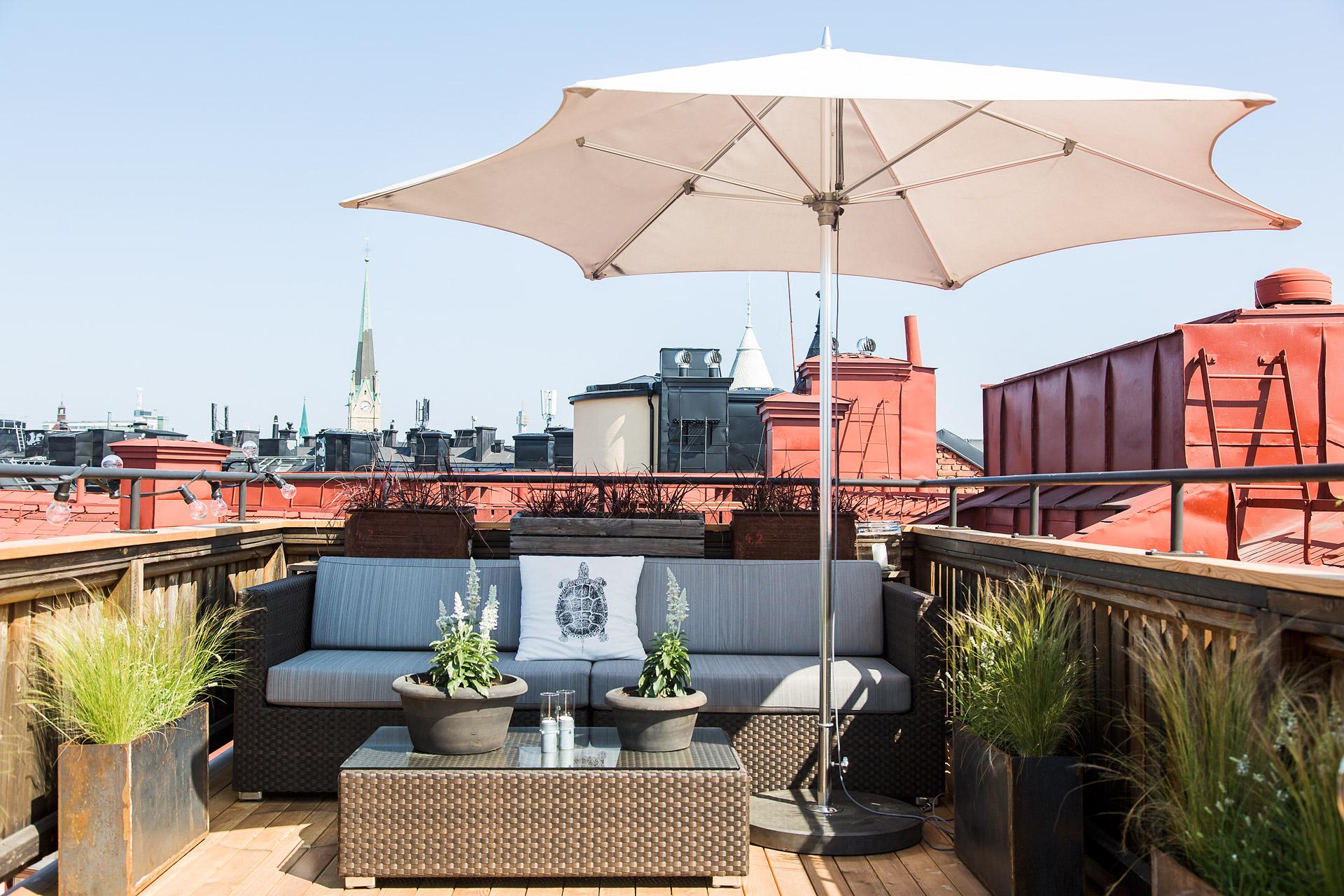 delikatissen etiquetas reformar terraza terraza y jardn otros estilos estilo clsico renovado amueblar terraza instalar sombrillas terraza - Sombrillas De Terraza