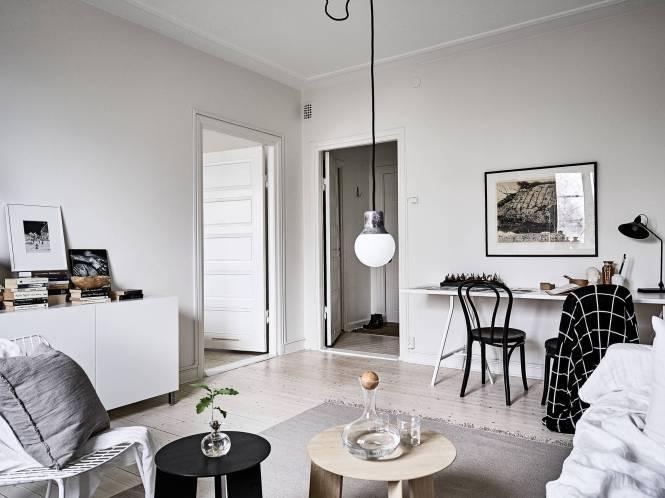 mesa blanca sillas negras estilo escandinavo decoración pisos pequeños decoración interiores comedores nórdicos combinaciones estilo nórdico cocinas nórdicas blog decoración nórdica blanco y negro decoración
