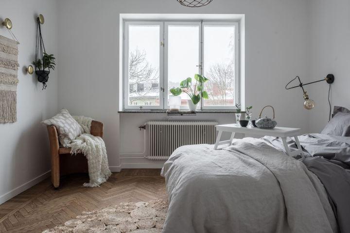 Una minicocina muy elegante mini pisos suecos mármol de Carrara cocina Smeg encimera de marmol electrodomesticos primeras marcas cocina sueca cocina piso pequeño cocina nórdica cocina moderna cocina mini cocina azul blog decoración nórdica