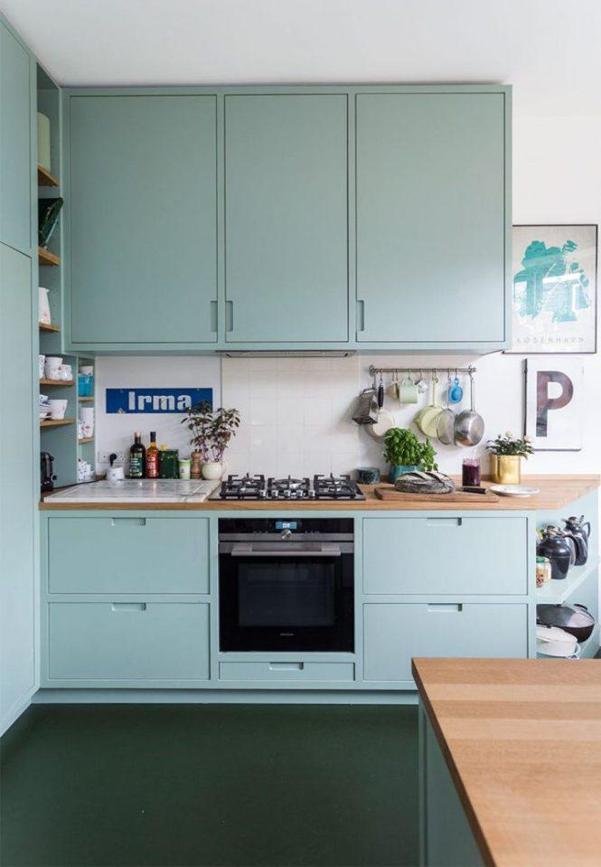 piso danes mint deco estilo nórdico estilo escandinavo diseño nórdico decorar con plantas y flores decoración en azul decoración colorida decoración azul claro