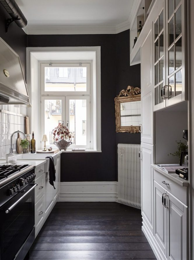 pisos suecos paredes negras estilo nórdico diseño interiores decoración pisos pequeños decoración nórdica decoración negro decoración interiores decoración estudio