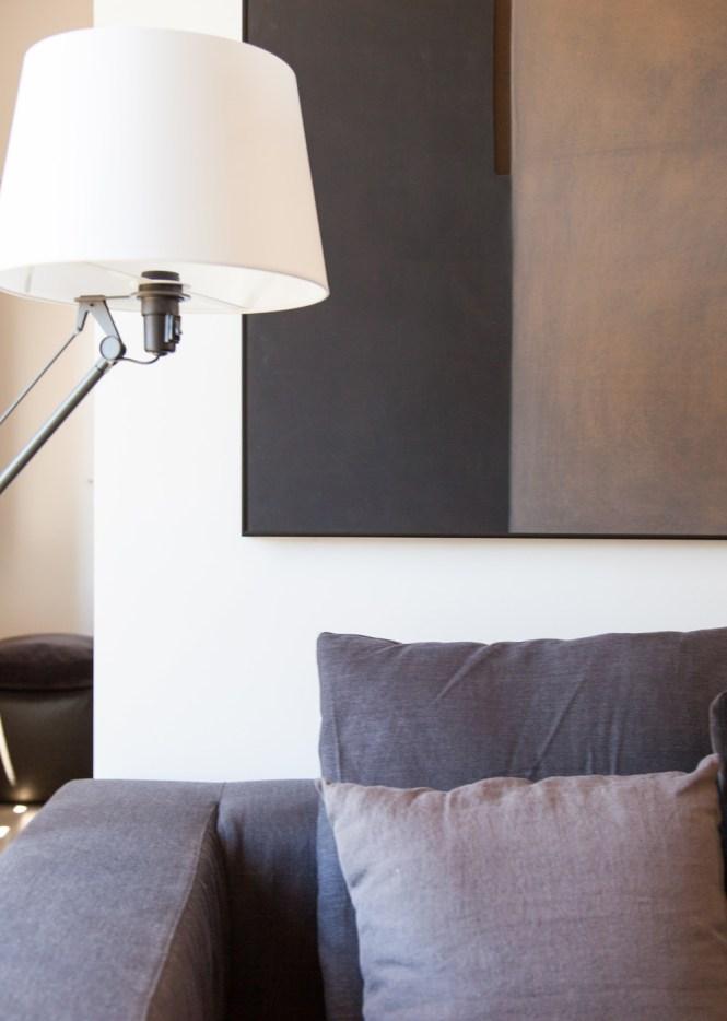 ro jaime hayon reforma barcelona nani marquina alfombras muebles de diseño mobiliario nórdico estilo nórdico decoración escandinava apartamento reformado barcelona apartamento lujo ayuntamiento barcelona