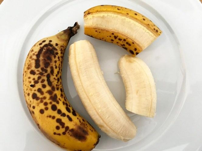 Upside-down banana bread recetas delikatissen postres fáciles postres con plátano postres con fruta bizcocho pudding bizcocho invertido de plátano bizcocho de plátano