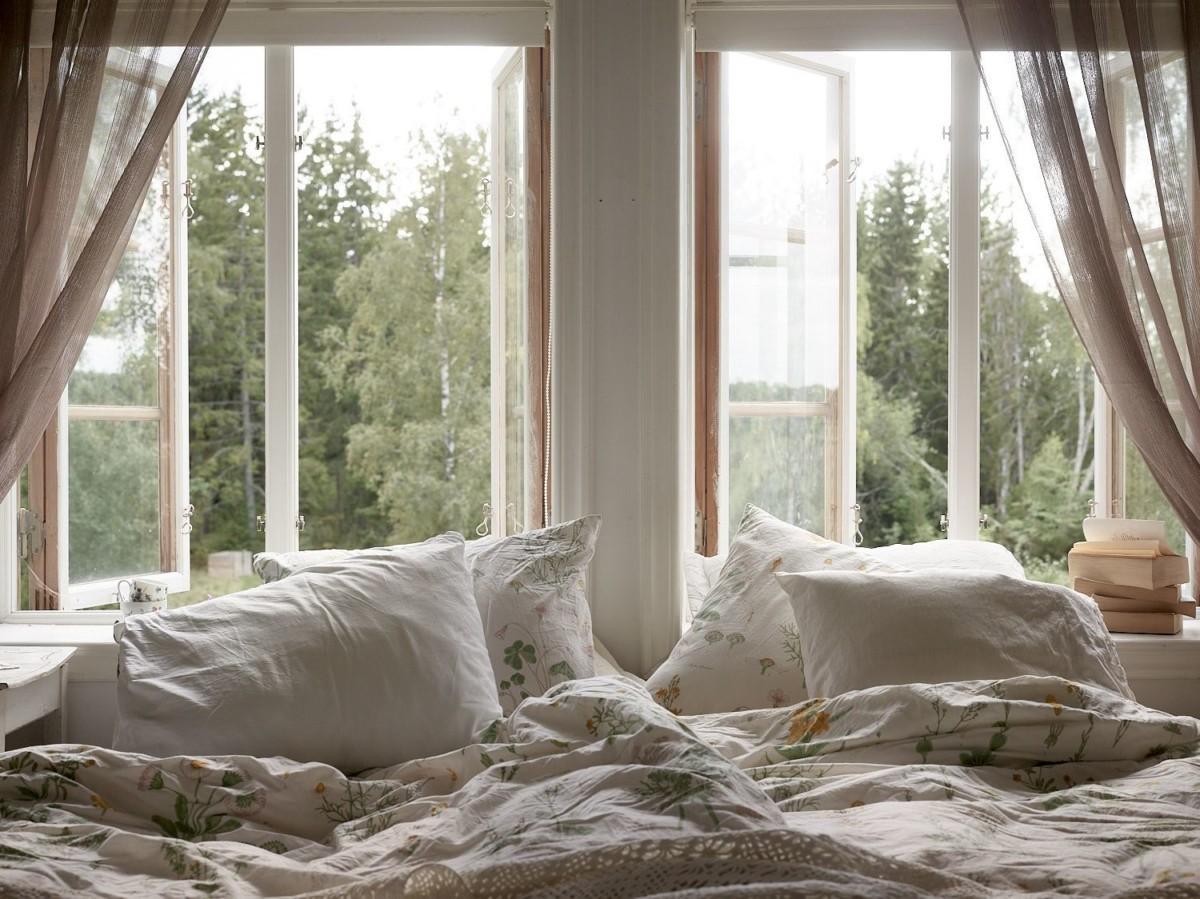 Scandi cabin interiors