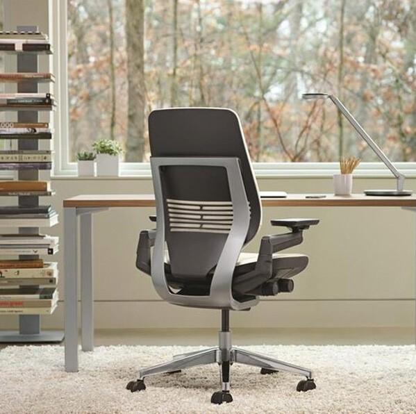 Sillas de diseño con ruedas y sillas ergonómicas de oficina