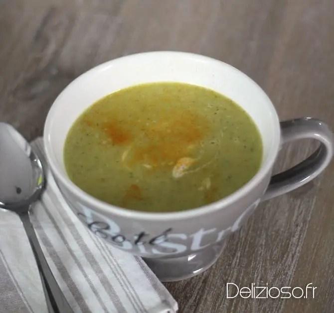 Soupe de chou chinois au curcuma