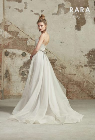 Asan simple wedding dress from the Dell'Amore Floral Paradise Collection