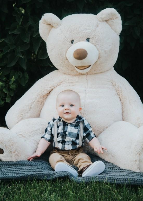 Blogger | Photographer | All Things lifestyle Family Photography | Utah Photography | Utah Baby Photography | Newborn Lifestyle | Utah | Boy | 6 Months | Child | Dellany Elizabeth | Pose ideas | Photography | Baby Boy