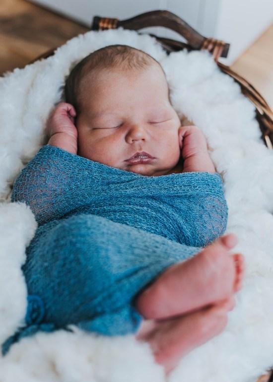 Newborn Photography   Utah Photography   Utah Newborns   Newborn Lifestyle   Utah   Love   Newborn   Dellany Elizabeth   Pose ideas   Photography   Family newborn