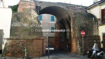 Porta Pisana Da Via Della Noce 352×198