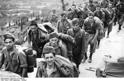 8 Settembre 1943: Sulla Regia Nave Baionetta, Assieme A Vittorio Emanuele III E La Corte, Un Agente Anglo-toscano.