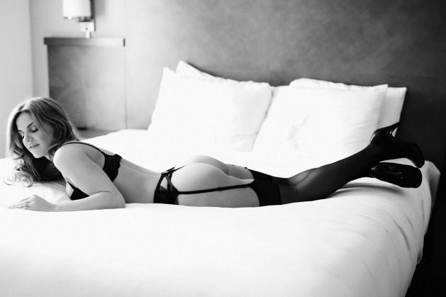 boudoir-session-hotel-room-036