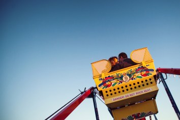 ferris wheel engagement photos