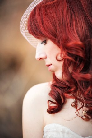 bride with bright red hair